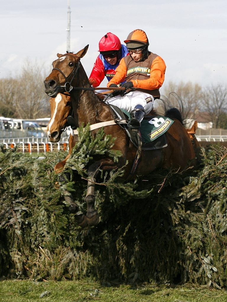 Long Run's half-sister Liberthine was a winner over the big fences at Aintree, ridden by Sam Waley-Cohen in the 2006 Topham